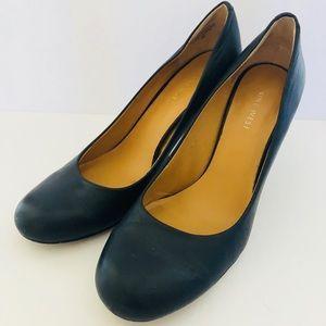 Nine West leather navy heels Sz 8